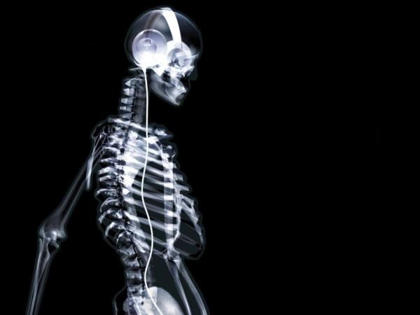 bigpreview_skeleton, headphones