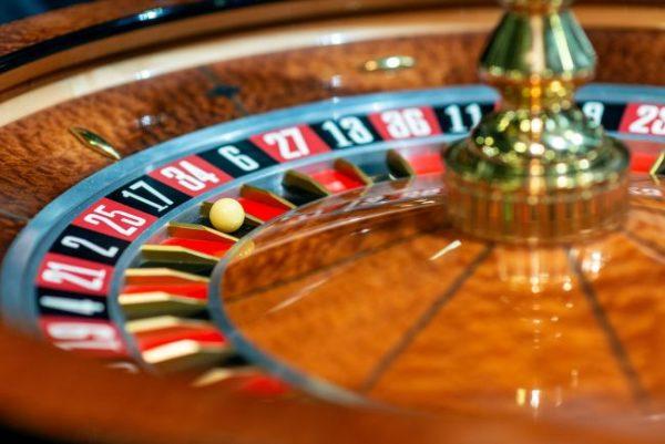 казино Фараон играть онлайн