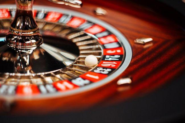 скачать на айфон казино Рокс